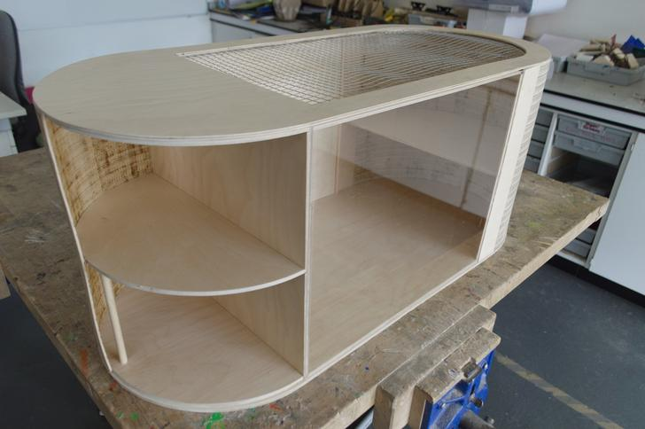 How to make a hamster cage out of wood?